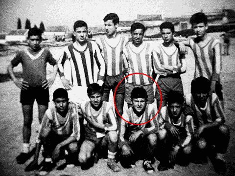 Mojón en su infancia, como delantero del Atlético Ave Mar?a
